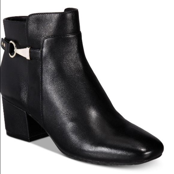 7d5109f2bb56 Bandolino Faruka Black Leather Booties
